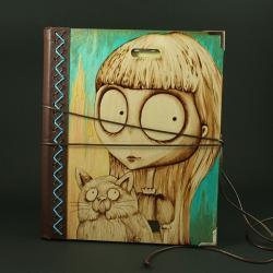 wypalanie,notatnik,szkicownik,dziewczynka,kot - Notesy - Akcesoria
