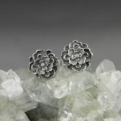 srebrne kwiaty,miniaturowe kwiaty,płatki,ogród - Kolczyki - Biżuteria